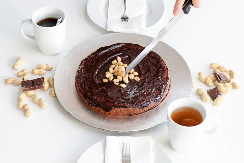 Veganer Schoko-Erdnusskuchen