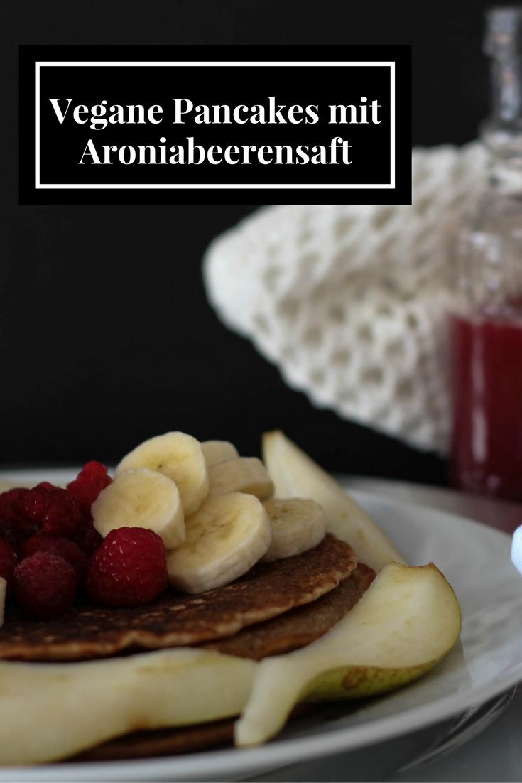 vegane-pancakes-mit-aroniabeerensaft