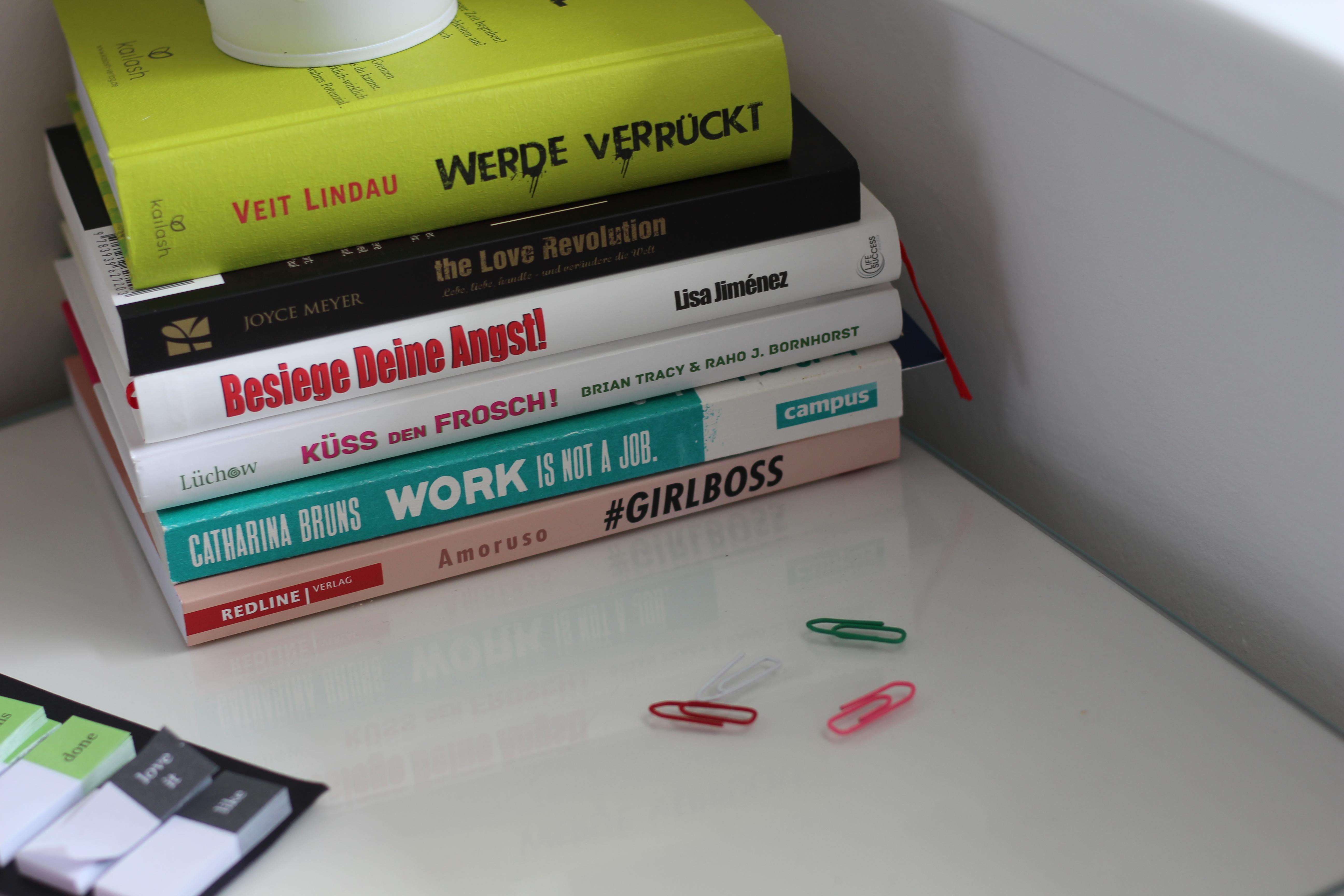 Dein HomeSpa Office Lieblingsbücher