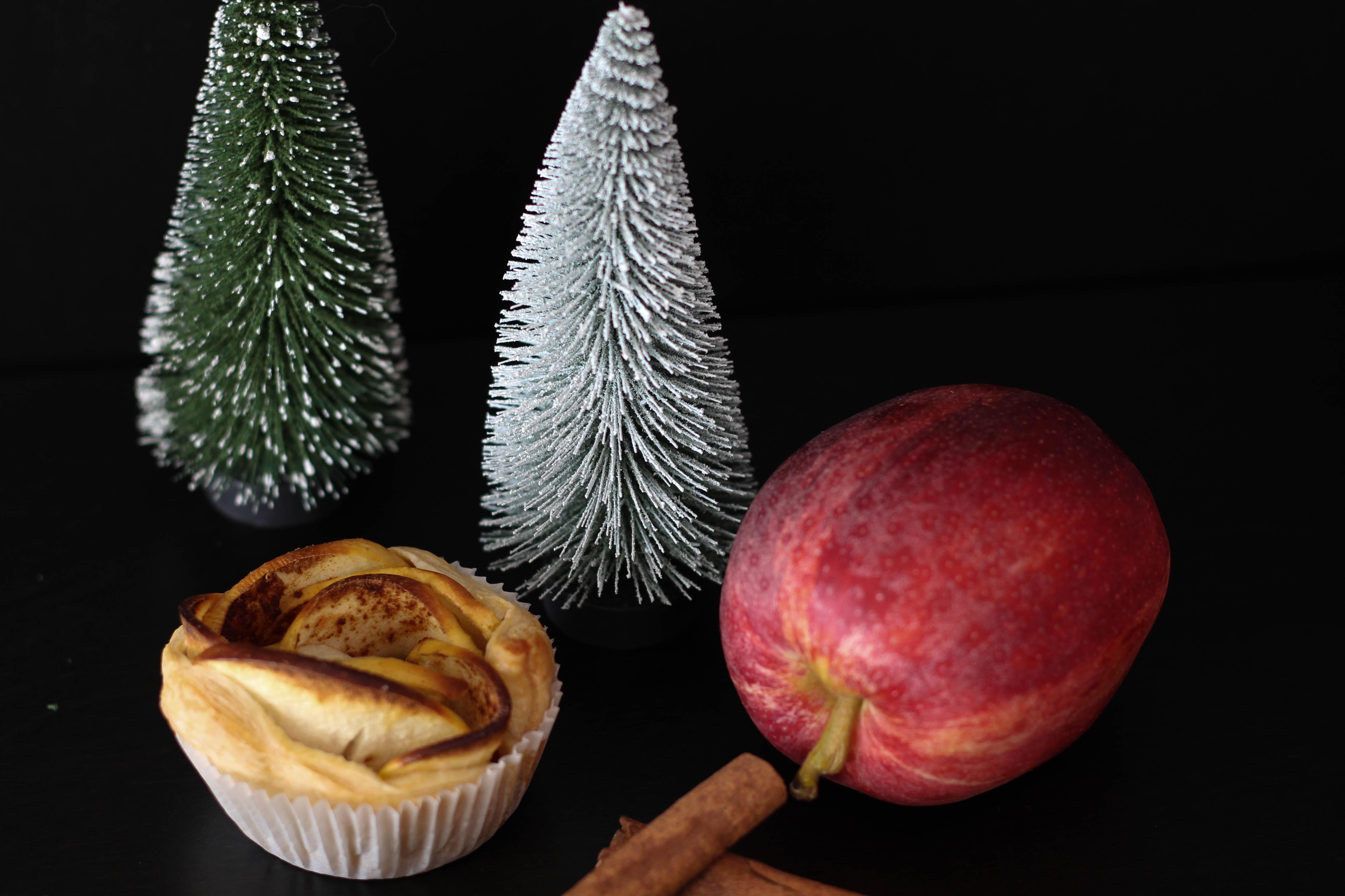 vegan-apfelrosen-blaetterteig-zimt-weihnachten-christmas-dein-homespa-1-von-1-5