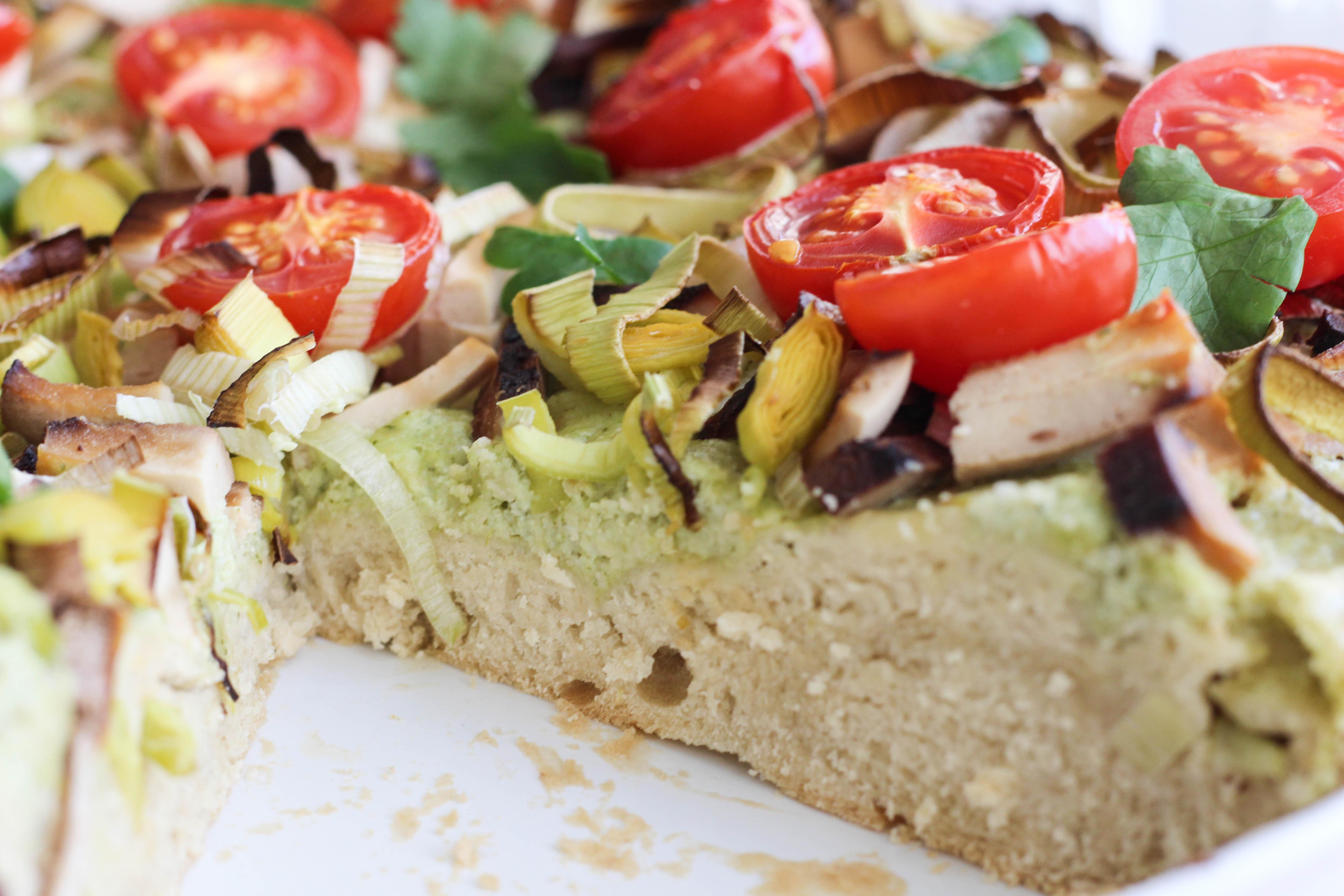 vegan-lauchkuchen-tomaten-lauch-germteig-homespa-plantbased-1-von-1-10