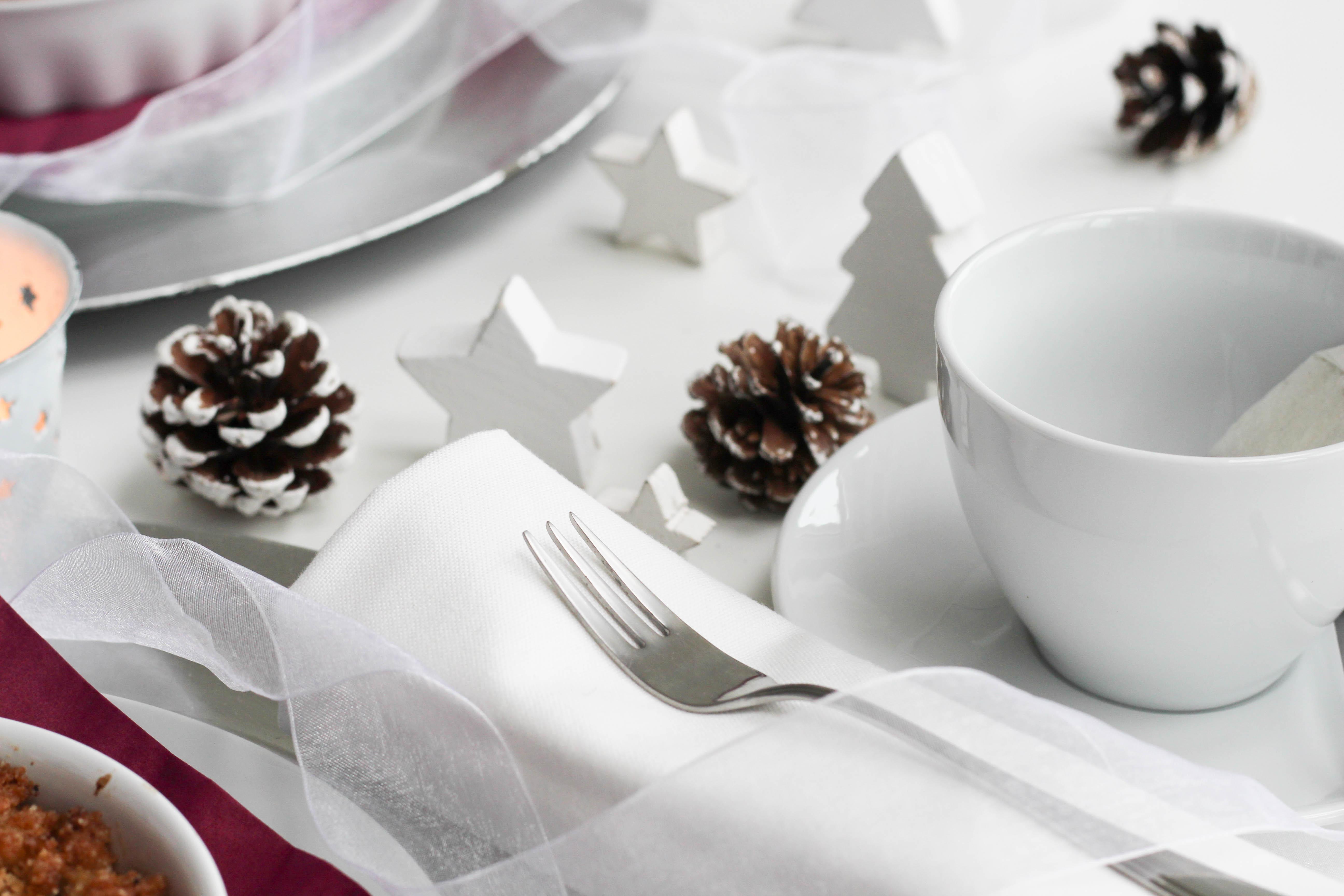 vegan-weihnachten-crumble-zwetschgen-homespa-shabby-