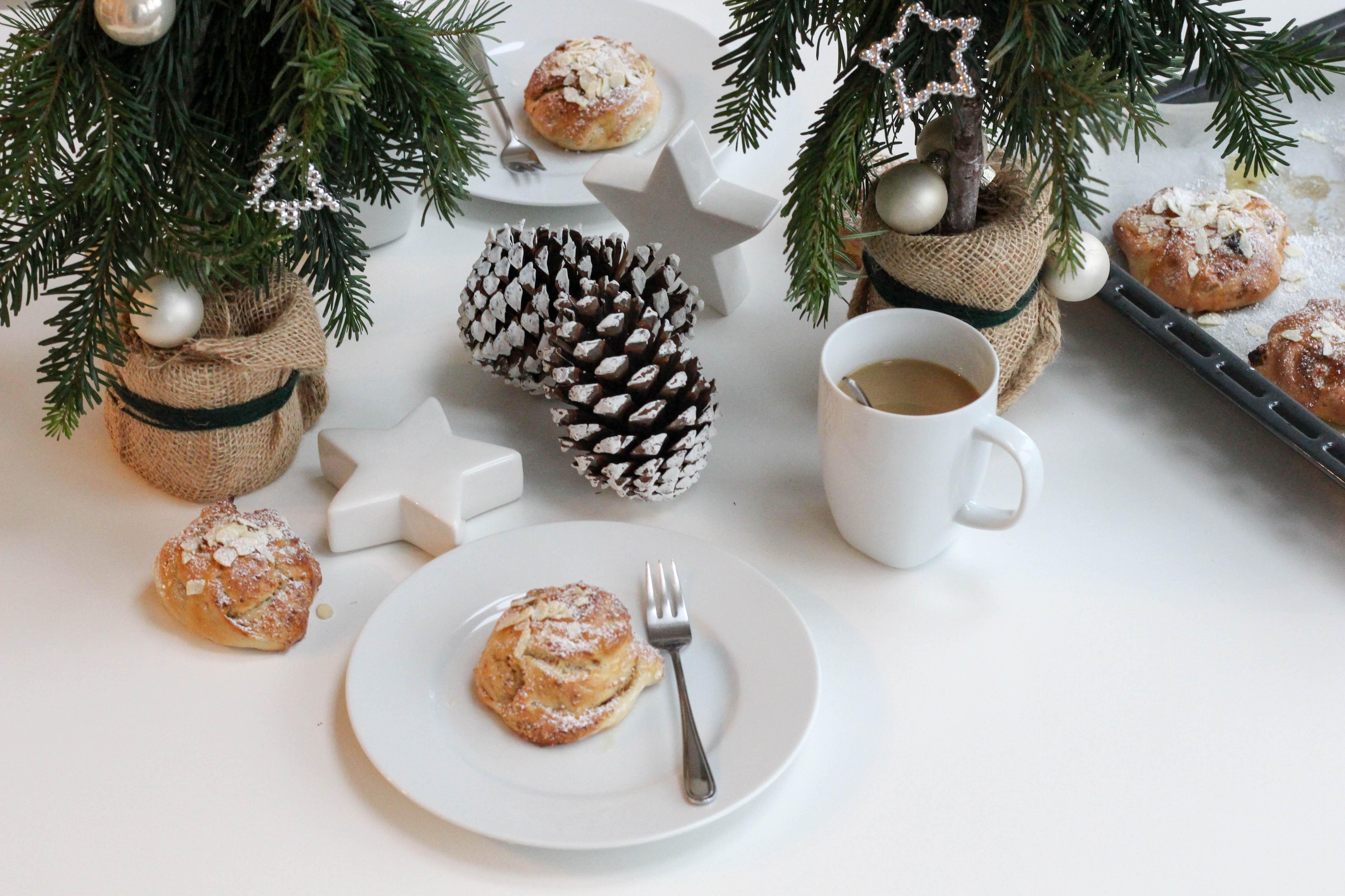 vegane-nussknoepfe-diy-Christbaum-selbstgemacht-christmas-homespa-plantbased