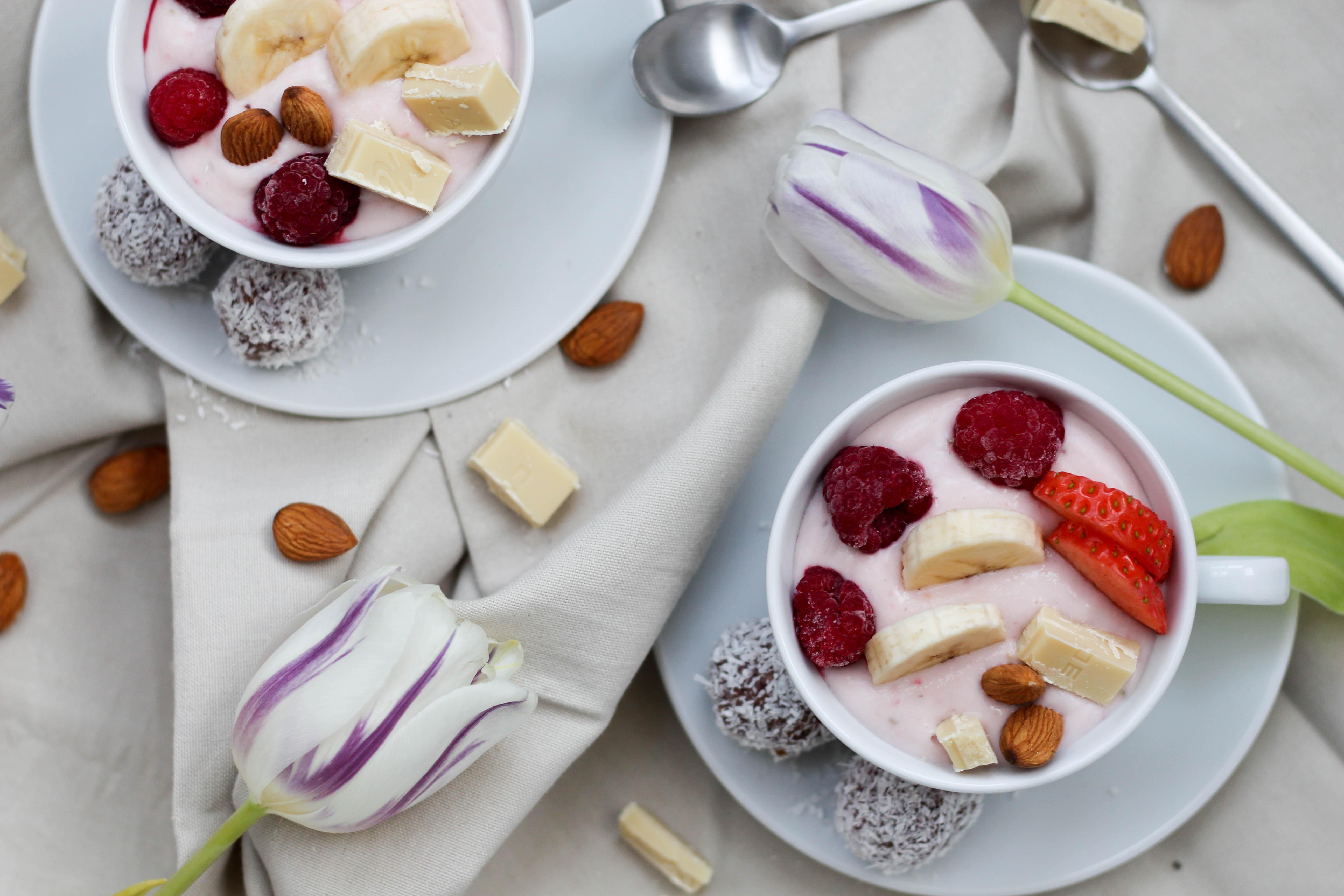Dein Homespa - Vegan - Plantbased - Healthy - Lifestyle - Relax - Soultime - Smoothie - Bowl - Yoghurt