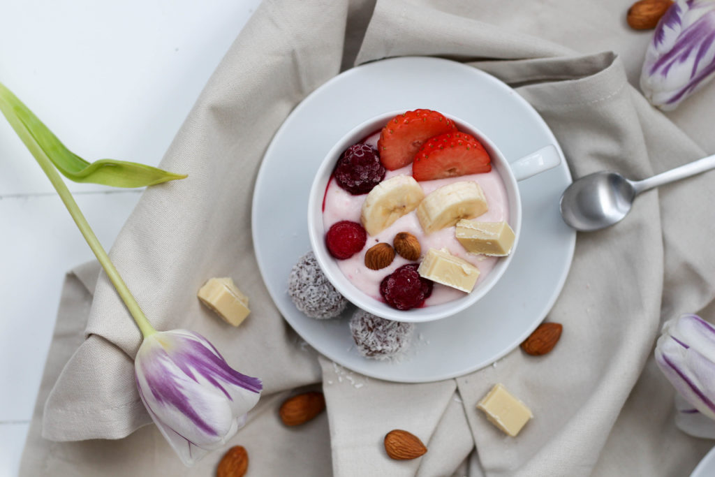Dein Homespa - Vegan - Plantbased - Healthy - Lifestyle - Relax - Soultime - Smoothie - Bowl - Yoghurt