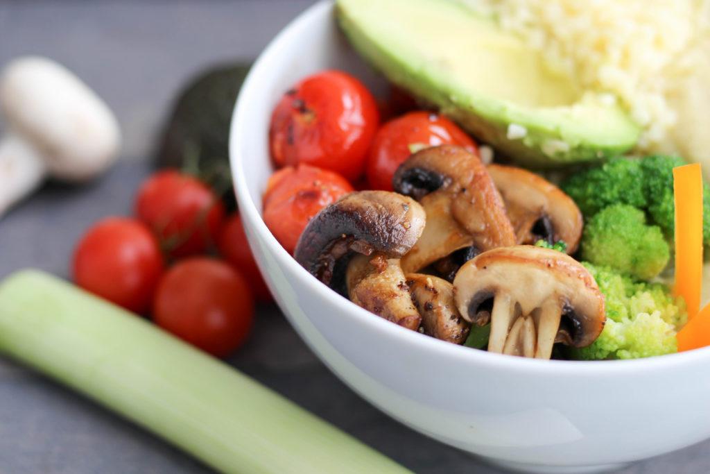 Vegan - Bowl -Pastinakenpüree - Plantbased - Soulfood - Pastinaken - Brokkolie - Gesund - BuddhaBowl - DeinHomeSpa- Bulgur