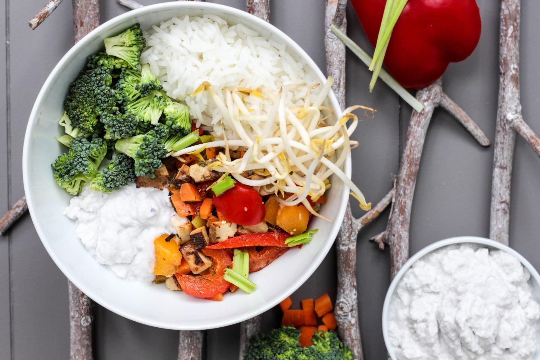 Vegane Wok Bowl mit Kokoscreme