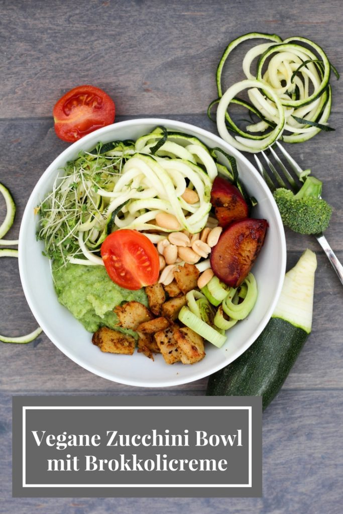 Vegane Zucchini Bowl mit Brokkolicreme