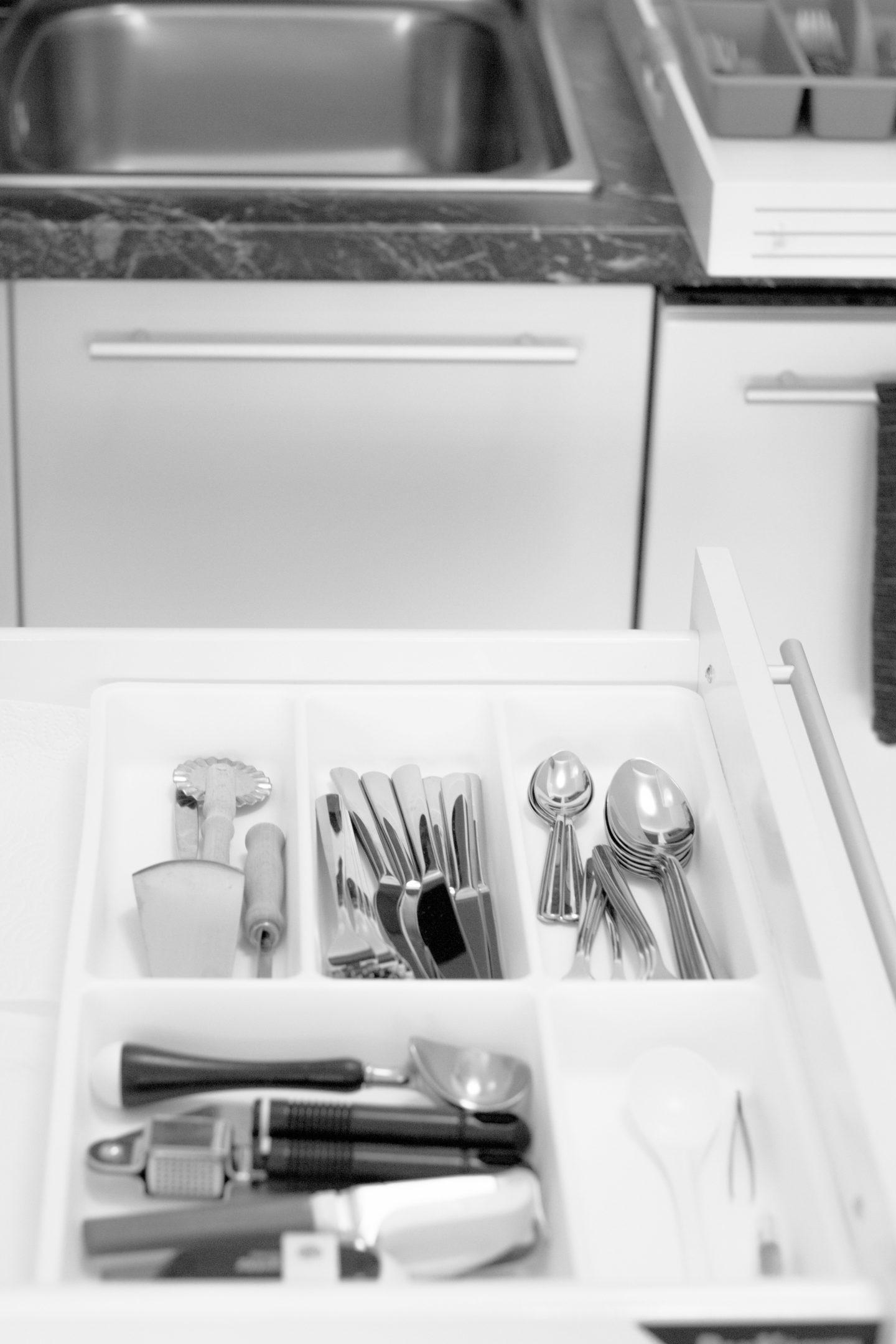 Minimalismus in der Küche - Besteckschublade