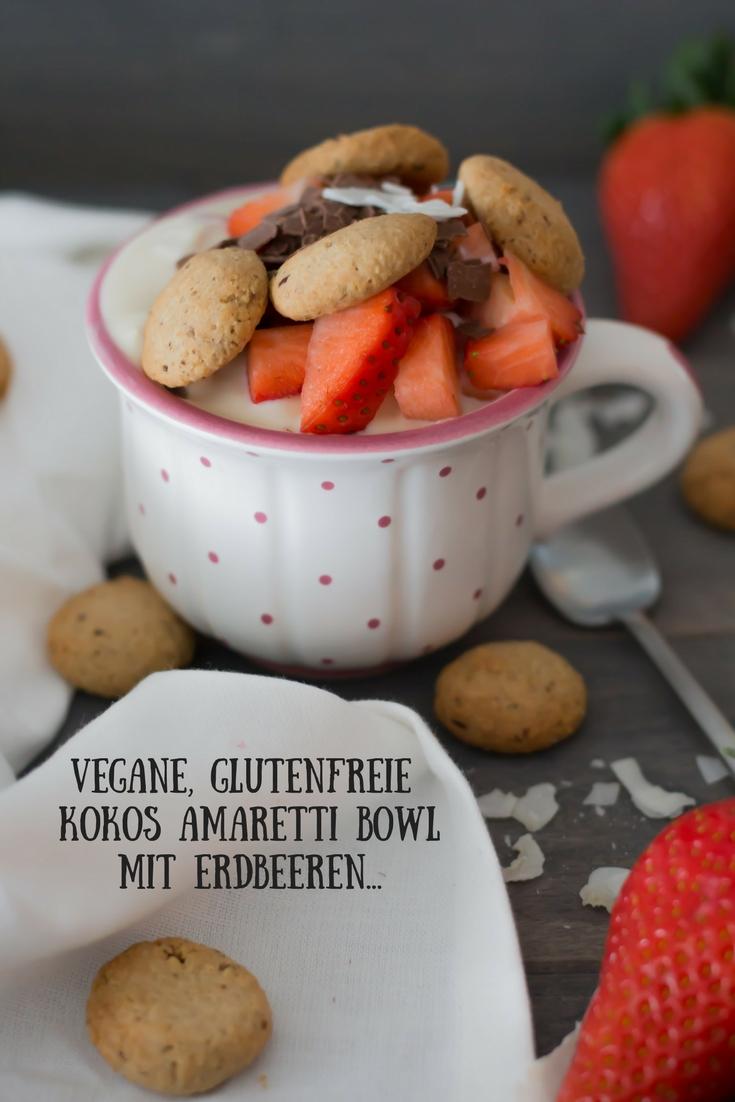 Vegane , glutenfreie Kokos Amaretti Bowl mit Erdbeeren...