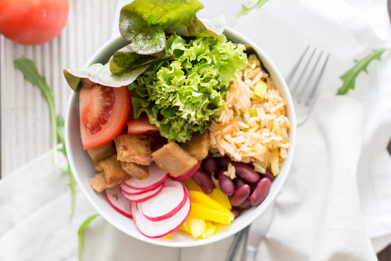 Vegane Reisfleisch Bowl – Die moderne Variante des Klassikers!