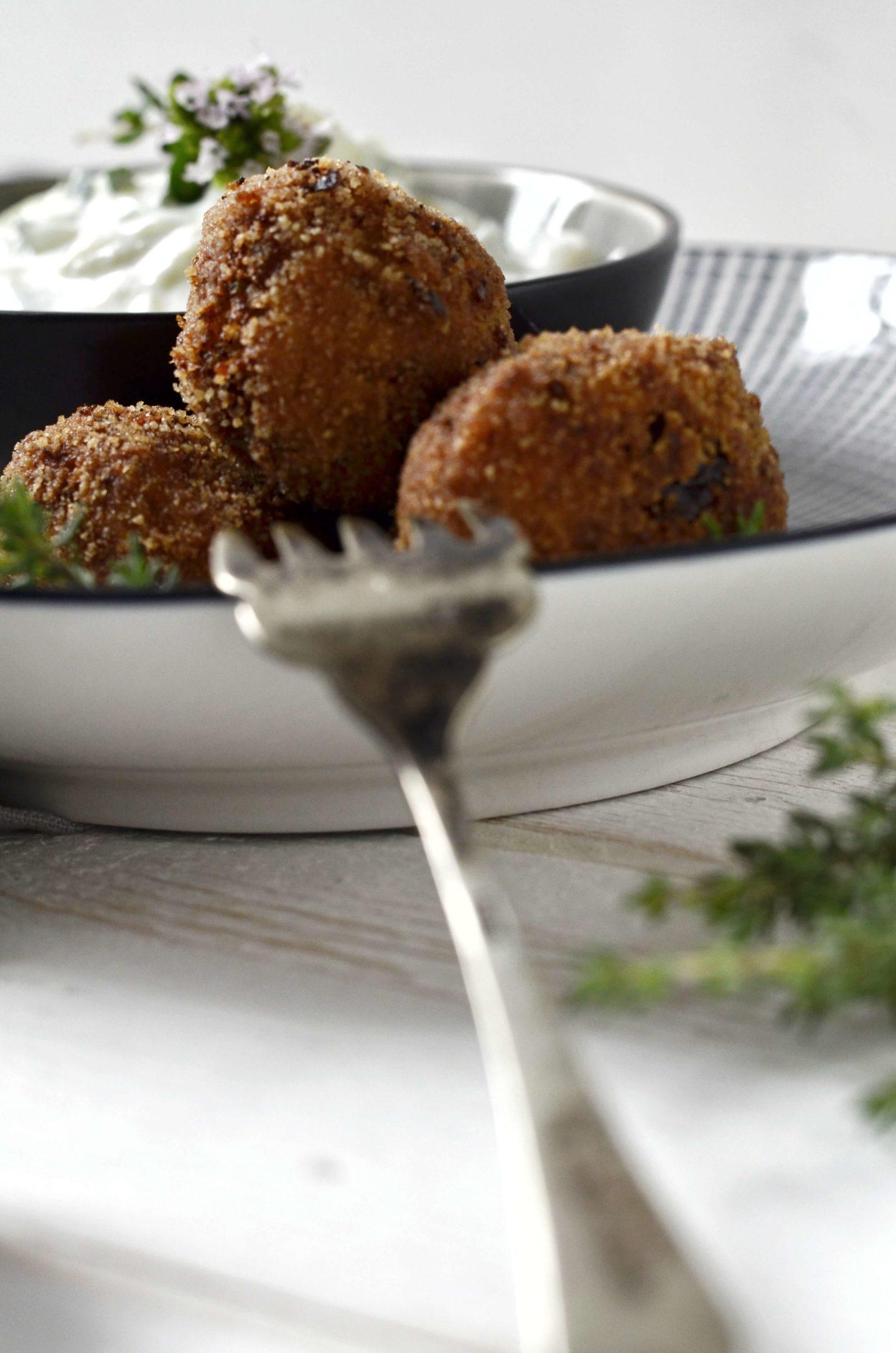Karfiol-Bällchen mit Tsatsiki