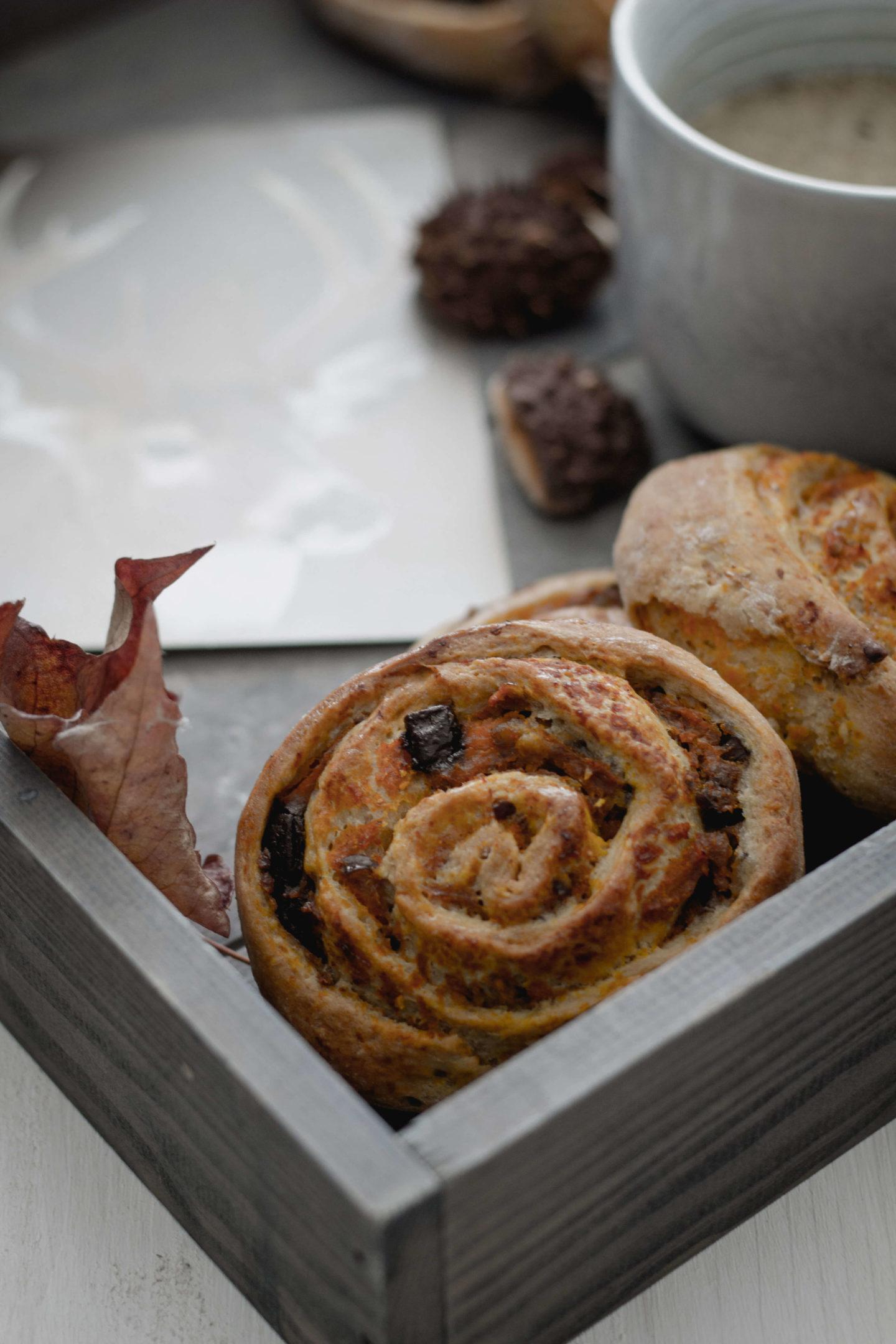 Vegane Kürbis-Maroni Schnecken mit Schokolade!