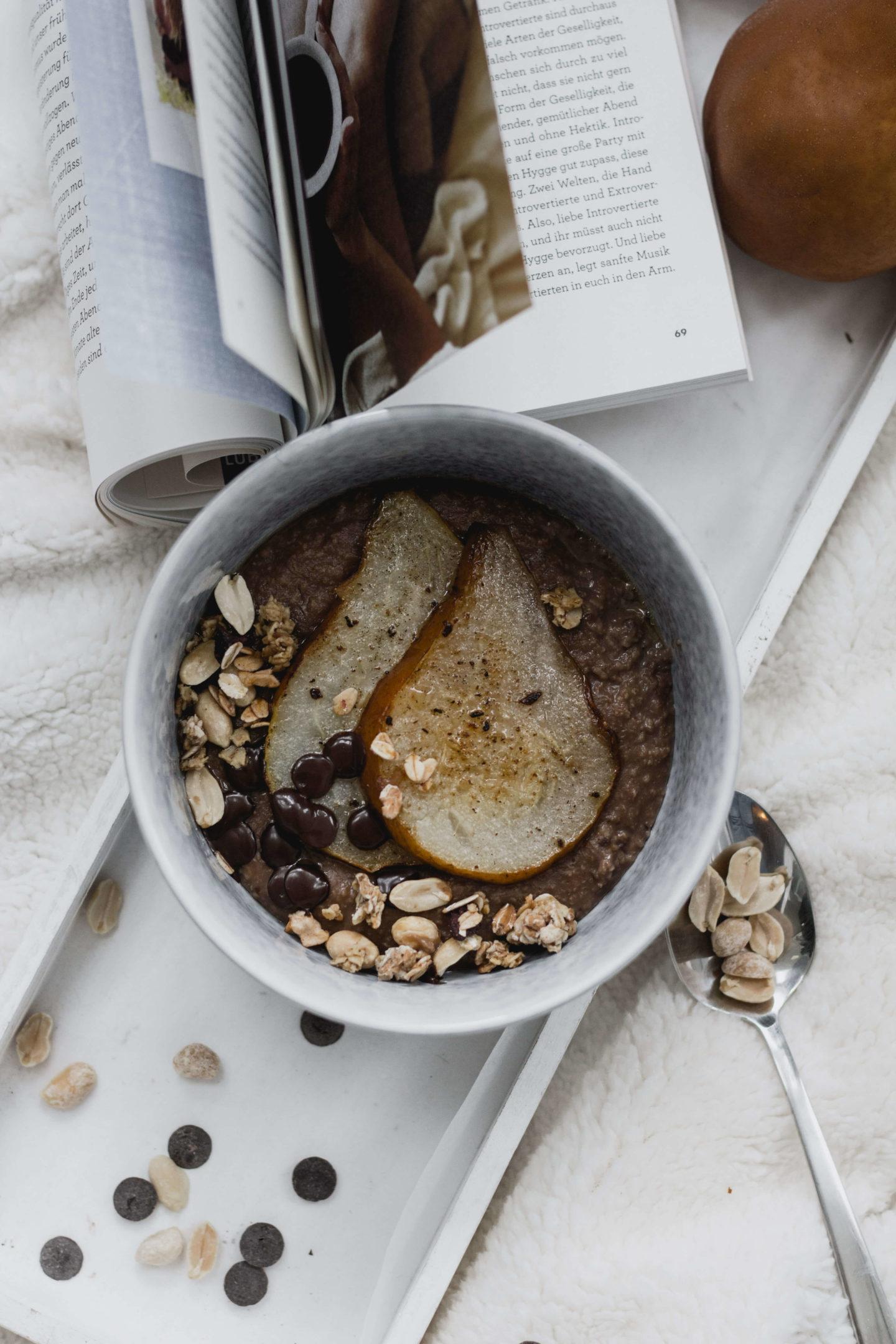 Schokoladen Hirsebrei mit Birne!