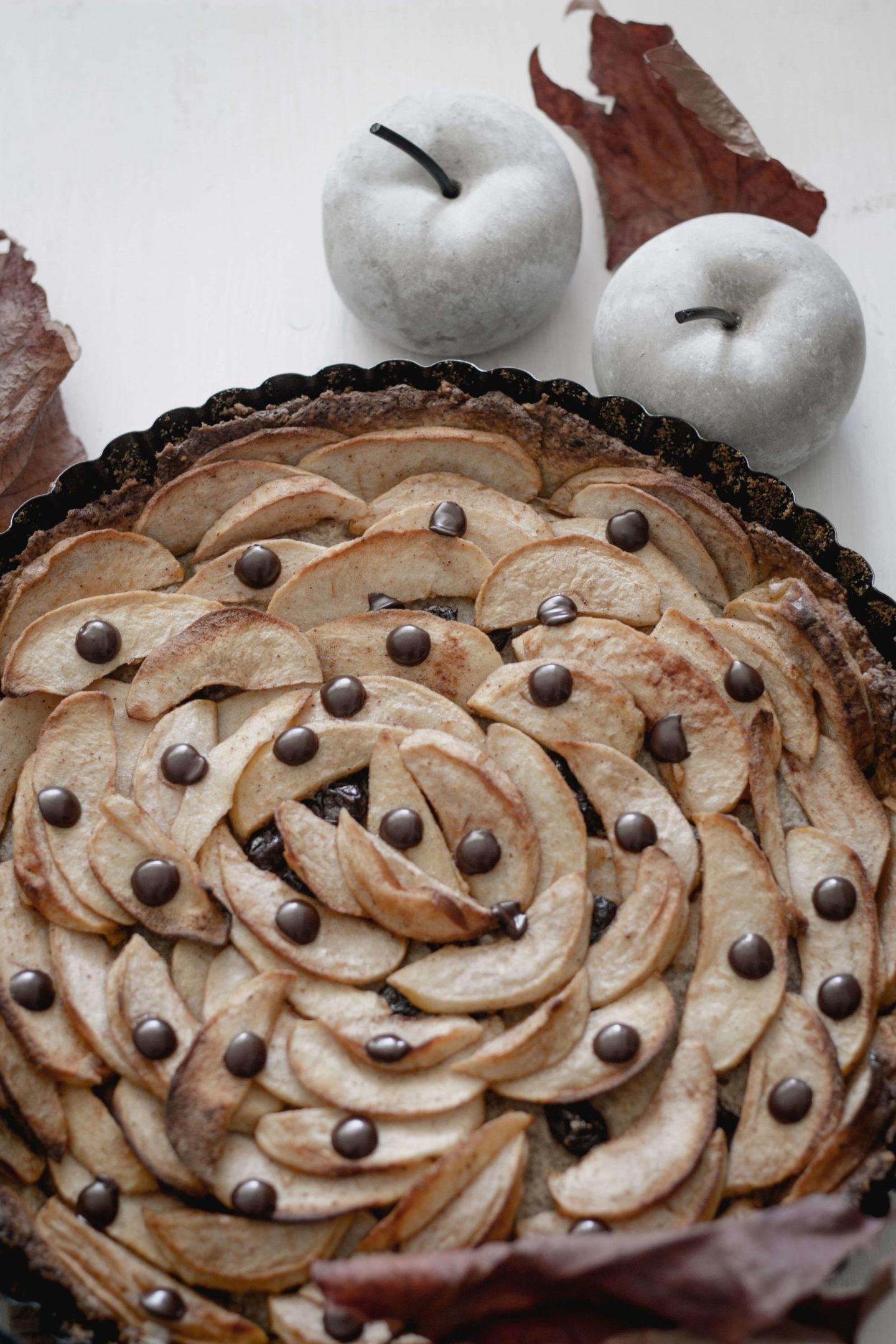 Veganer Apfel-Nusskuchen mit Schokolade - Zuckerfrei