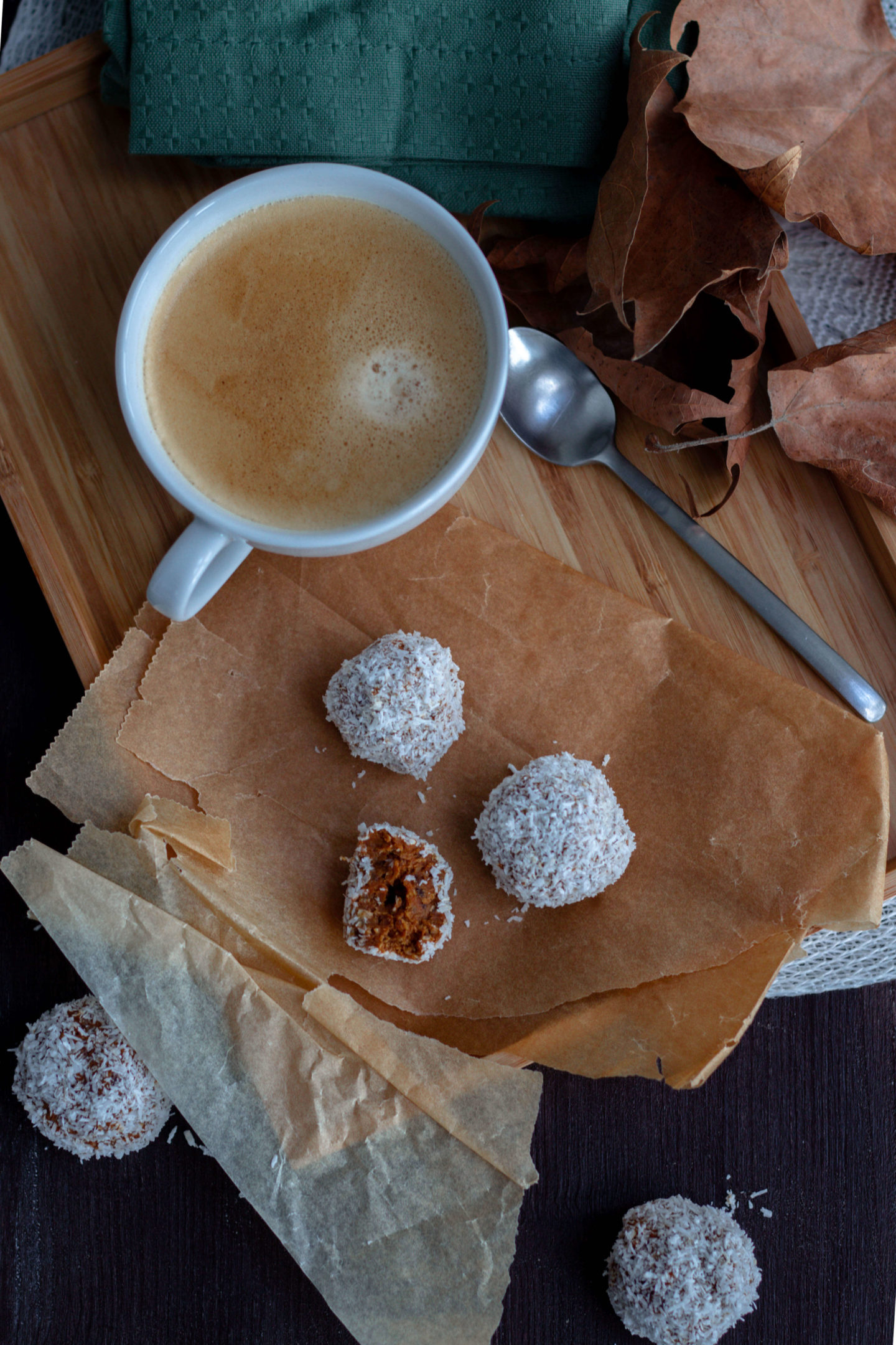Herbstliche Energiekugerl mit Ingwer, Schokolade und Karotten - Dein HomeSpa- Wohlfühlblog aus dem Mostviertel