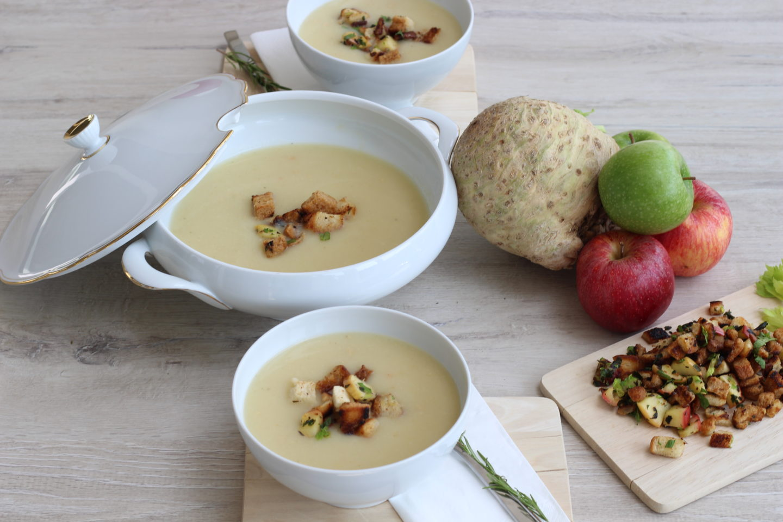 Vegane Apfel – Sellerie Suppe mit Kräuter Croutons