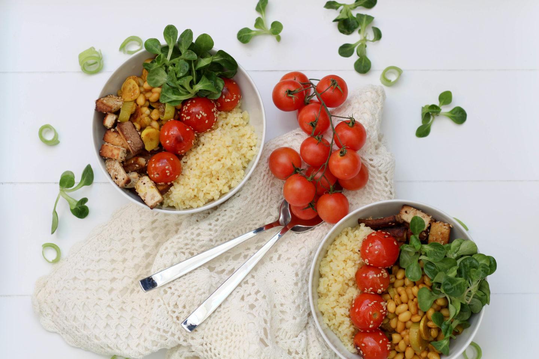 Vegane Bohnen Bowl mit Kurkuma