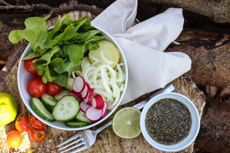 Detox Bowl - Vegan - Nature - HomeSpa - Wald - Outdoor Food - Foodstyling - Austria