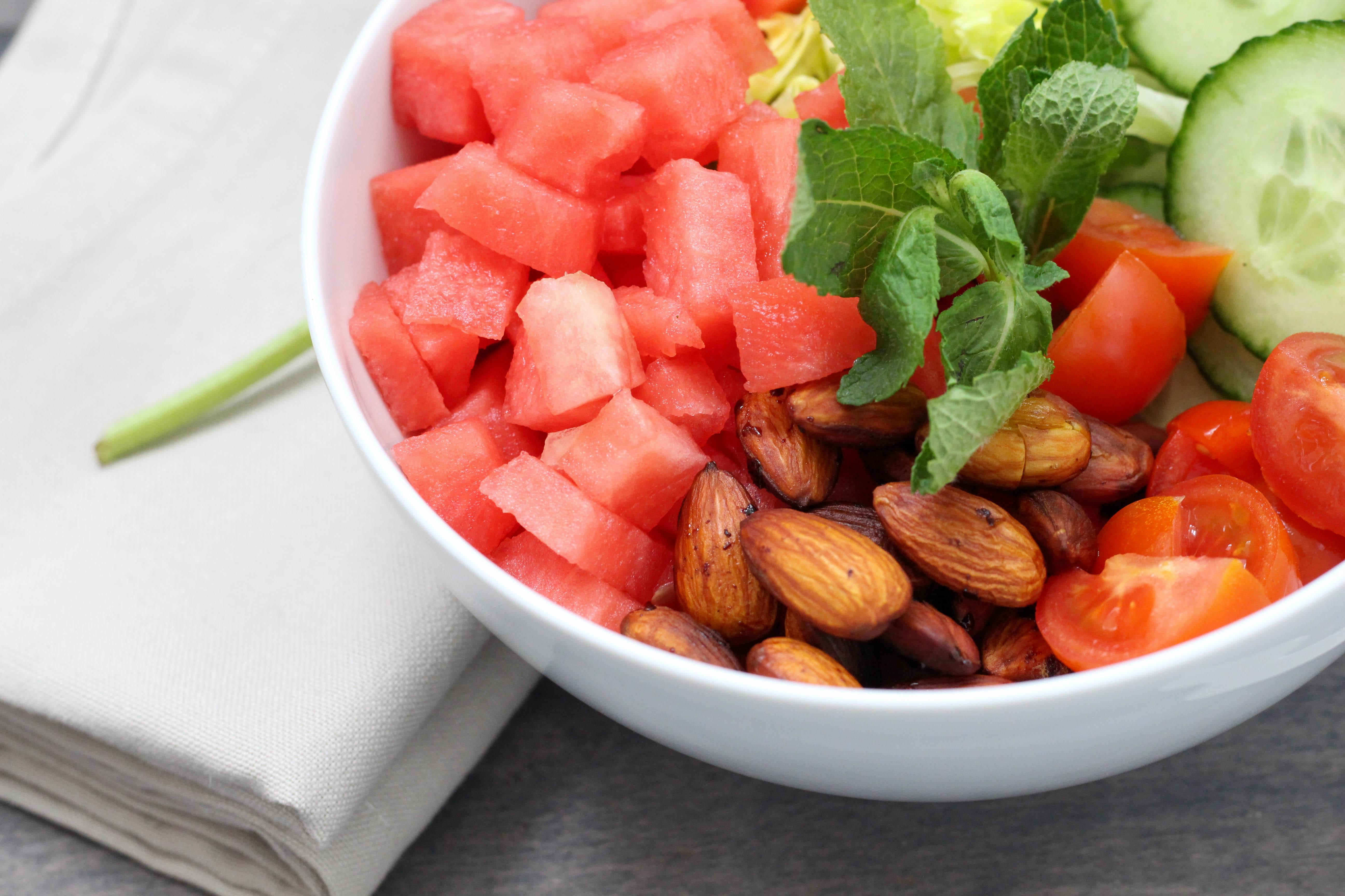 Homespa - Vegan - Wassermelonen - Bowl - Balsamico Dressing - Minze - Rauchmandeln-Clean Eating, Powerfood,