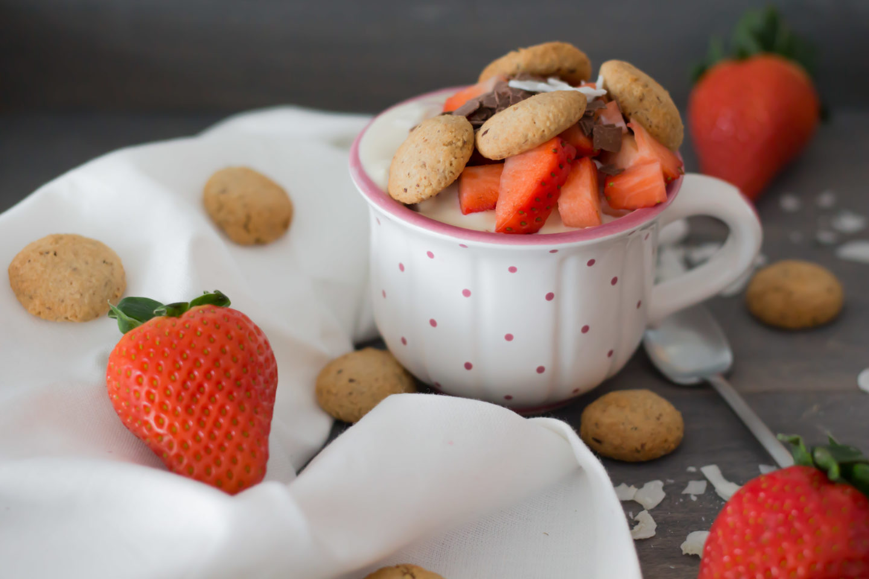 Vegane, glutenfreie Kokos Amaretti Bowl