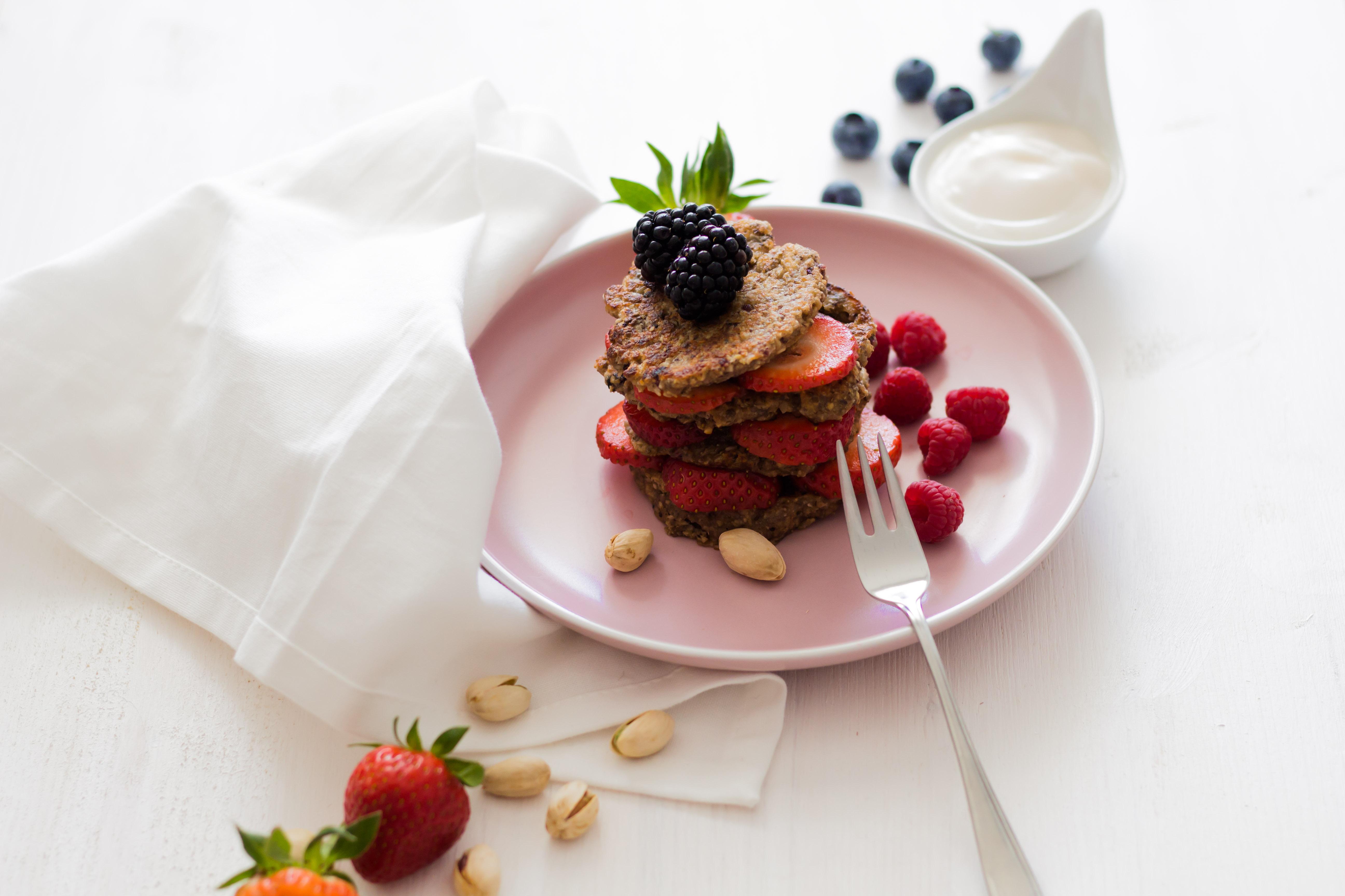 """Plus Size Running - Köstliches, veganes """"Post-Workout"""" Essen! Vegane Porridge Pancakes mit jeder Menge Superfoods..."""