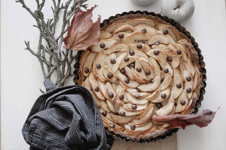 Veganer Apfel-Nusskuchen mit Schokolade